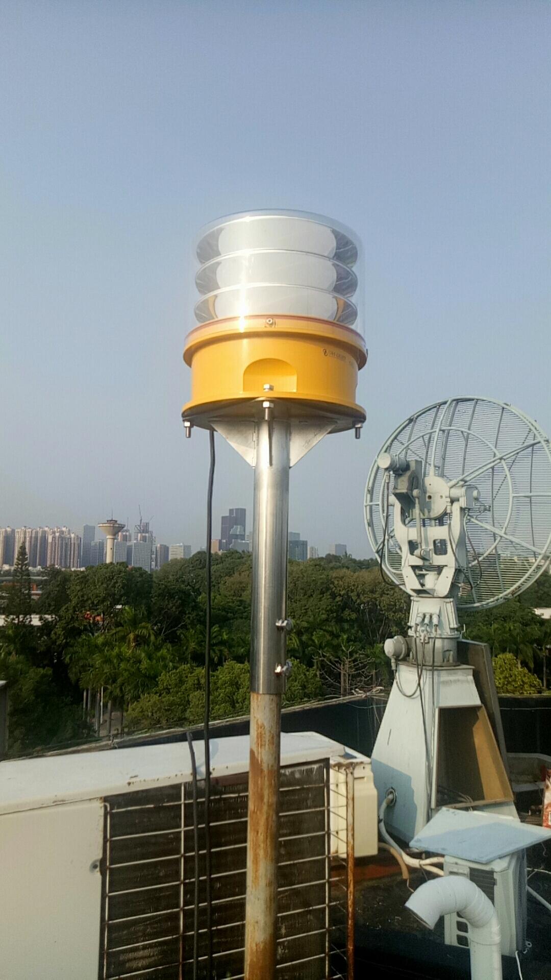 砖烟囱安装航标灯_航标灯_航空障碍灯工程案例展示_深圳绿源灯光设备